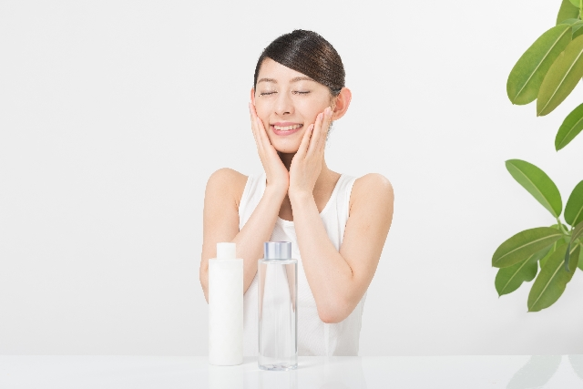 敏感肌用の化粧水、おすすめ6選!美白からオーガニック、温泉水まで